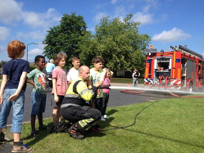 Kinderen konden leren blussen bij de brandweer in Schijndel.