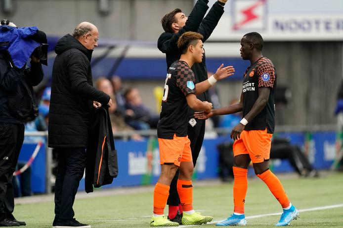 Ritsu Doan dient zich aan bij PSV.