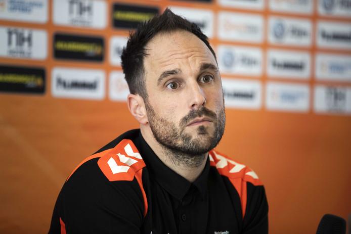 Emmanuel Mayonnade, de nieuwe bondscoach van de Nederlandse handbalsters.