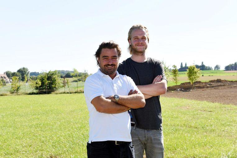 Kamping Kitsch komt naar terrein Avanco in Aalbeke. De organisatoren John Noseda (l.) en Thomas Van Hoof (r.) op het terrein.