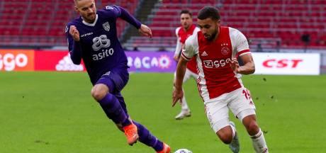 Spelers Ajax ontevreden over 'gladde en hobbelige' grasmat: 'Ook het veld is overbelast'