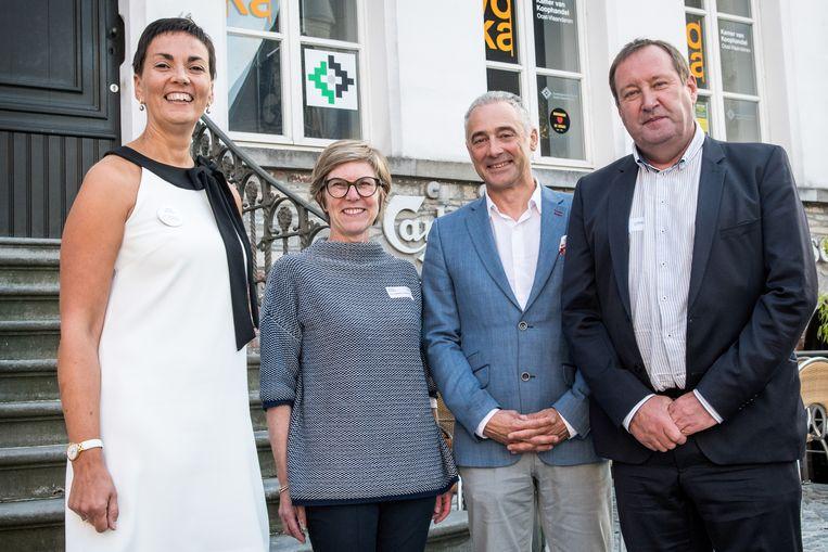 Sally Verpoort (regiodirecteur Vlaamse Ardennen/Leiestreek), Laurence Flamand (regiovoorzitter Vlaamse Ardennen), Geert Moerman (gedelegeerd bestuurder Voka Oost-Vlaanderen) en Johan Browaeys, die afscheid nam als regiodirecteur.
