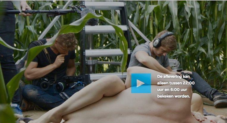 Schermafbeelding van een pornofilm die na tienen te zien is. Beeld Vpro