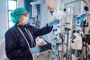 Een verpleegkundige op de IC-afdeling in Amphia Ziekenhuis in Breda.