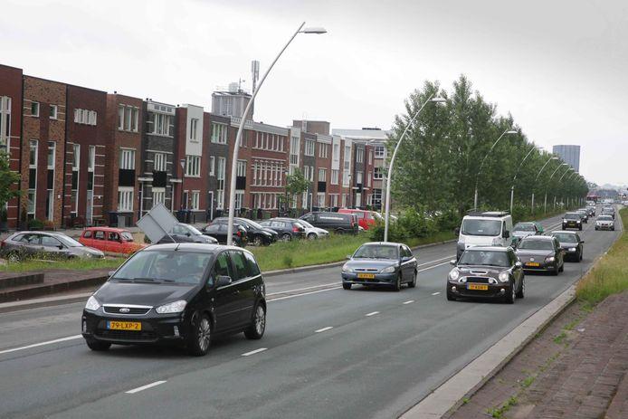 Druk verkeer op de Prins Mauritssingel.