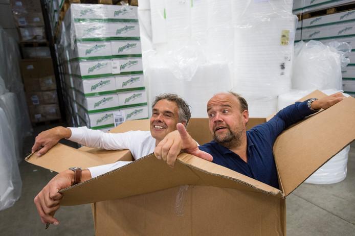 """Twepa-directeuren Rik (links) en Coen Brinkman: """"De verkoop van dozen vormt een kwart van onze omzet."""""""