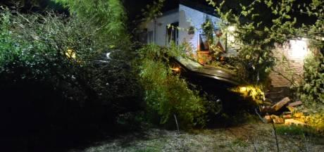 Jaguar ramt huis in Berg en Dal: 'Ik dacht eerst aan enorm ongeluk op de rotonde'