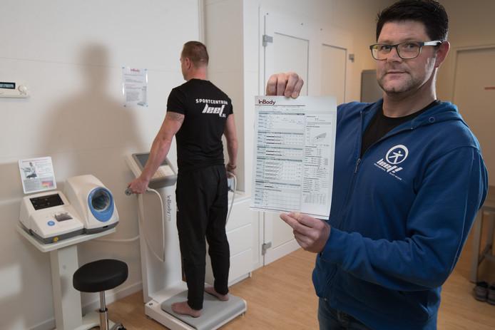 Michel Vierwind van sportcentrum Leef! in Wijhe baalt dat het papierwerk rondom een leefstijlcoach nog niet is geregeld.