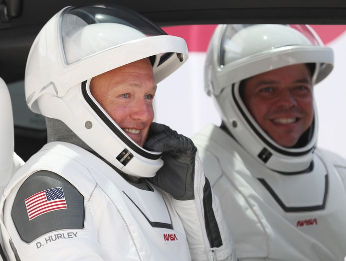 Astronauten Doug Hurley (l) en Bob Behnken.