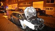 Vermeende leider drugsbende ziet auto in vlammen opgaan