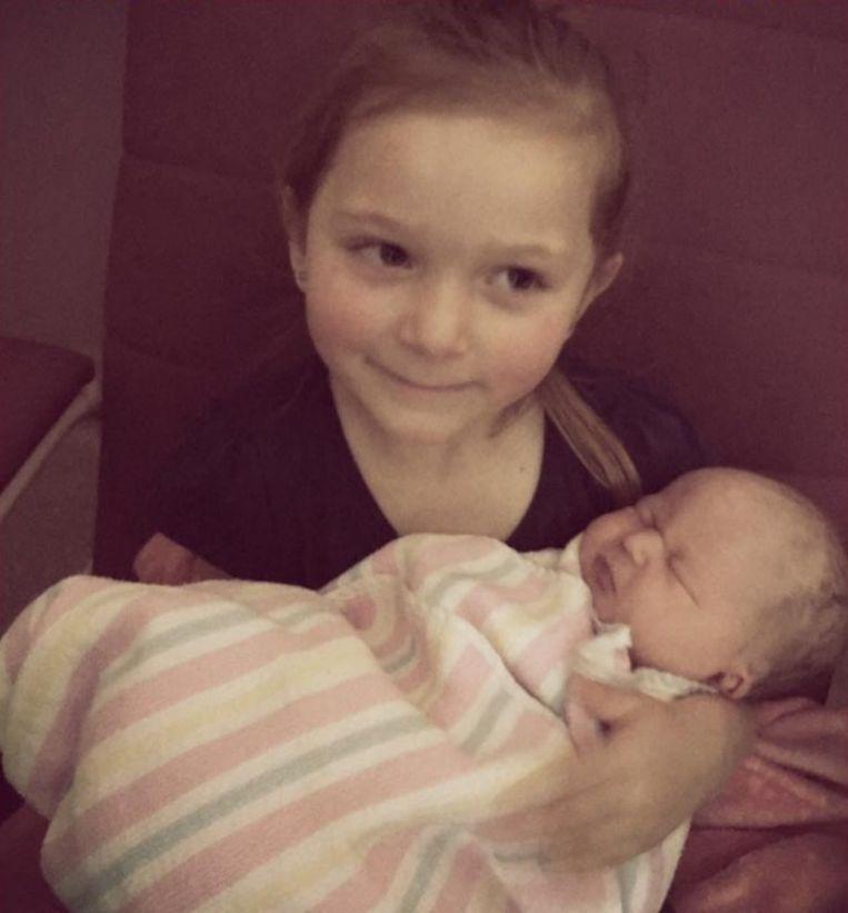 Mia met kleine Lylah.