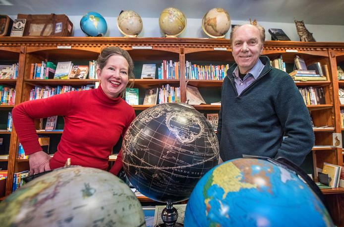 Na 27 jaar stoppen Nasja en Harry Berg met hun reisboekenwinkel aan de Schoolstraat. Stanley & Livingstone verhuist per 1 februari naar boekhandel Douwes aan de Herengracht.