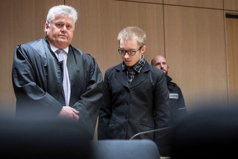 Koelbloedig moordenaar Marcel Hesse (20) bekende via zijn advocaat. Tijdens het proces zei hij geen woord.