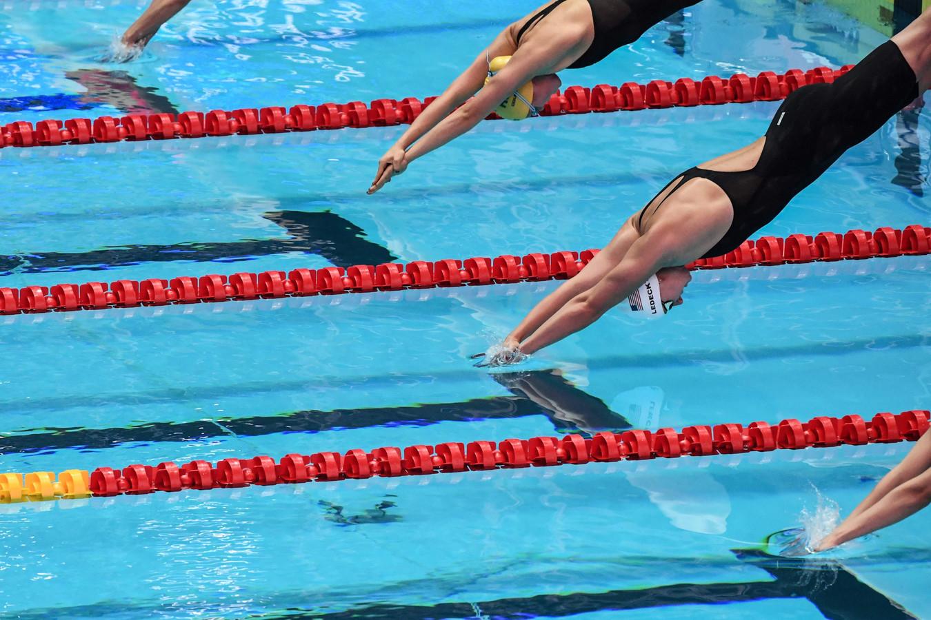 De start van de 1500 meter voor vrouwen bij het WK in Zuid-Korea.
