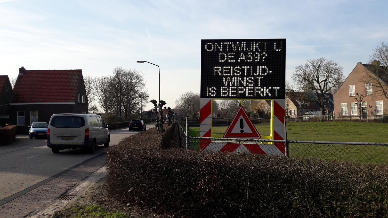 Een tekstkar tegen het sluipverkeer in Raamsdonk en Waspik.