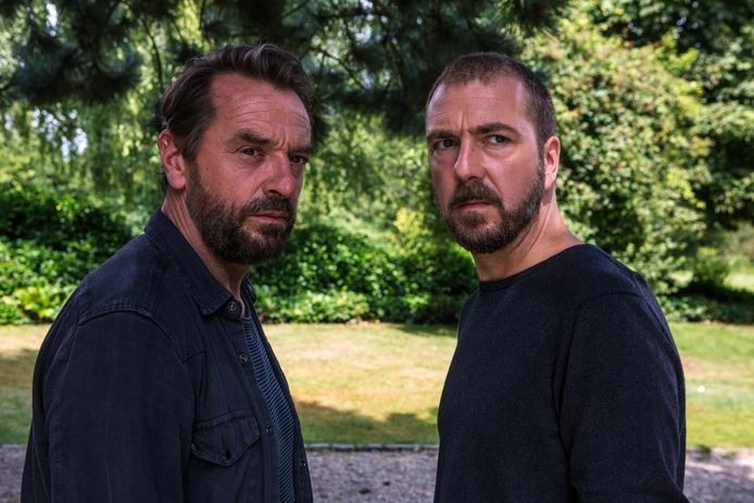 Tom Waes (Bob Lemmens) en Sebastien Dewaele (JP Berger) in 'Undercover'