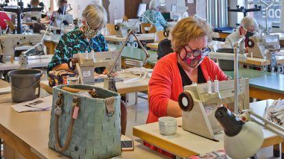 Tot 72 vrijwilligers naaien elke dag mondmaskers in Vorselaar