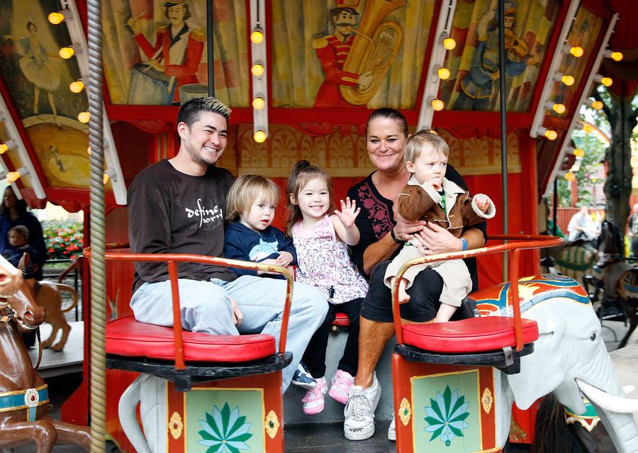 Thomas, son ex-femme Nancy et leurs trois enfants