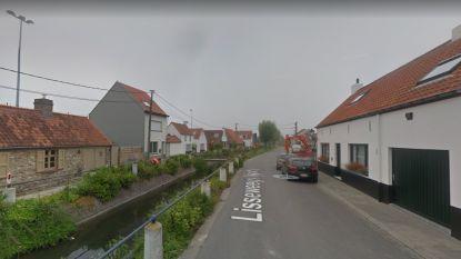 Stad plaatst wegversmallingen en paaltjes na klachten over overdreven snelheid in Lissewege