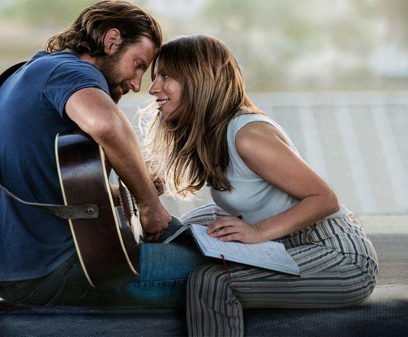 Bradley Cooper & Lady Gaga in 'A star is born'