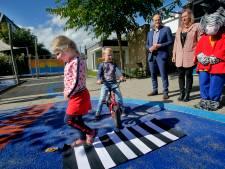 Erkenning voor Dordtse school die schipperskinderen leert fietsen