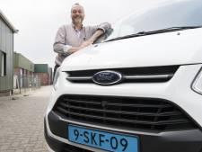 De Groene Taxi uit Almelo helpt bij het halen van een rijbewijs én een baan