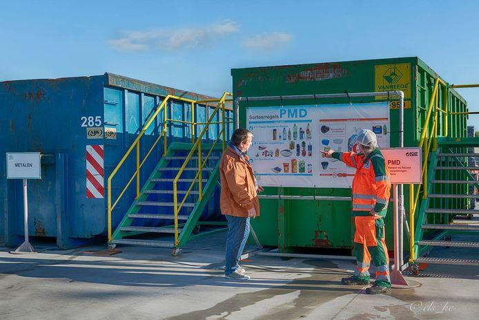 Een containerpark van Igean.