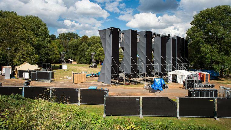 Het afgehekte Sloterpark is bijna klaar voor festival Loveland Beeld Mats van Soolingen