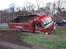 Vrachtwagenchauffeur uit Almelo (19) belandt in sloot bij Eibergen