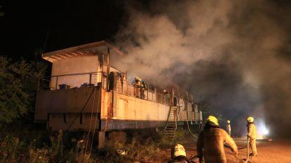 Brandstichting in oude woonboot op scheepswerf