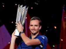Medvedev klopt Zverev en verovert titel in Sjanghai