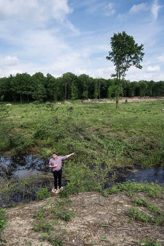 Natuurbeschermer Alex de Meijer op de plek van de Berendoncksauna.