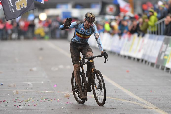 Toon Aerts sauve l'honneur belge avec une médaille de bronze.