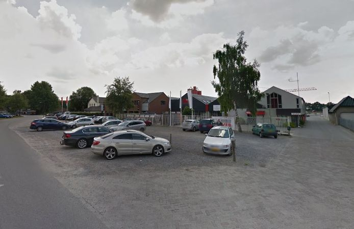 De huidige vestiging van Roozen van Hoppe, langs het kanaal in Haghorst.