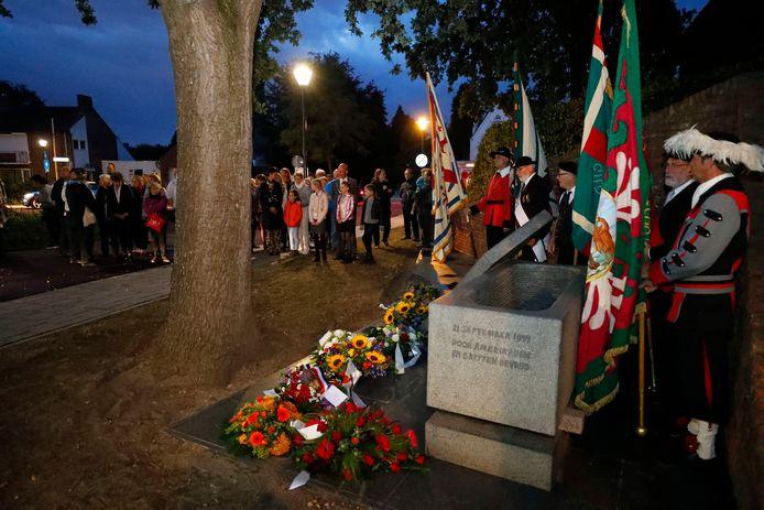 Herdenking van de bevrijding bij het oorlogsmonument in Nuenen in 2018.