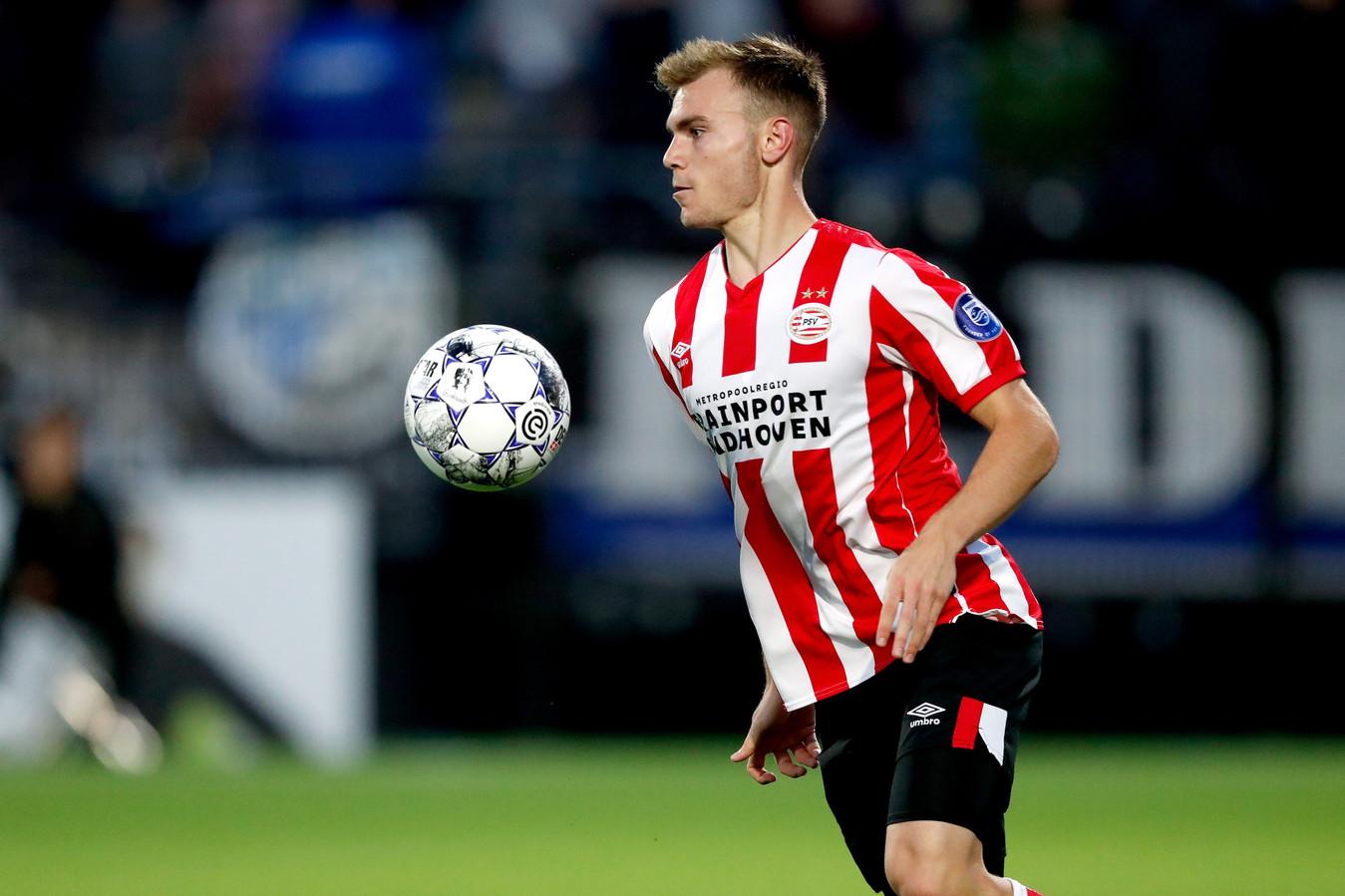 Toni Lato in actie bij Jong PSV.