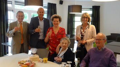 Mit viert 102de verjaardag