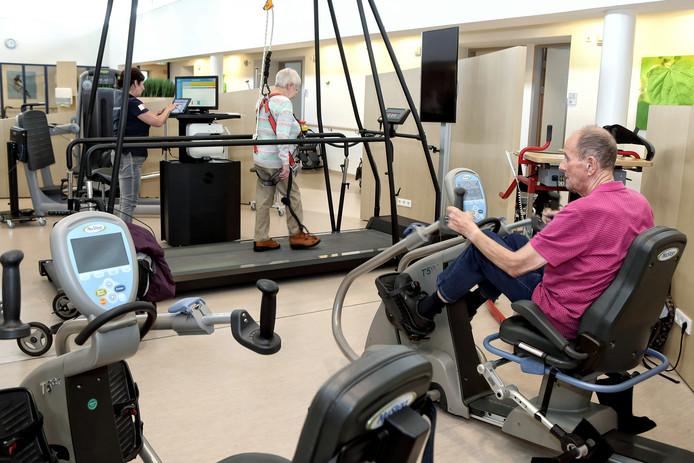 Het centrum voor geriatrische revalidatiezorg van tanteLouise in Bergen op Zoom is bovenop de spoedeisende hulp van het Bravis ziekenhuis gebouwd.  Met 60 bedden is een prima opvangplek voor kwakkelende ouderen die anders misschien wel in het ziekenhuis terecht waren gekomen.