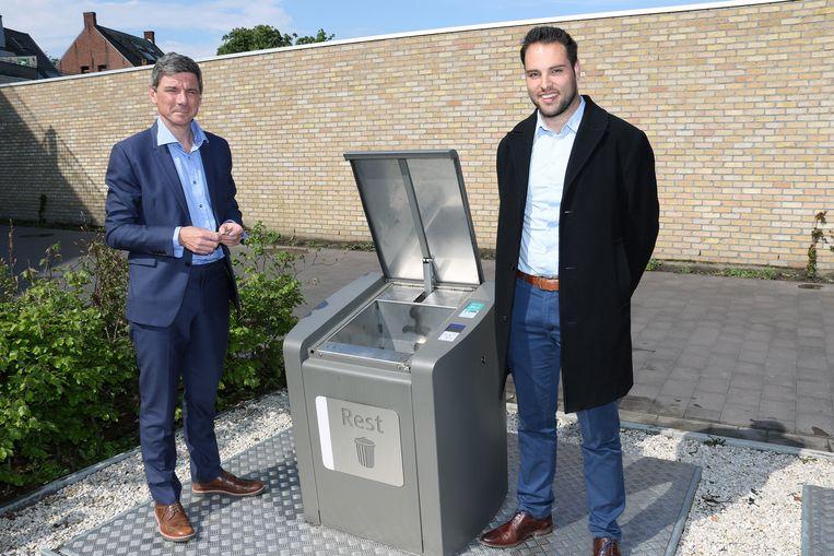 Paul Macken (IOK) en burgemeester Gilles Bultinck