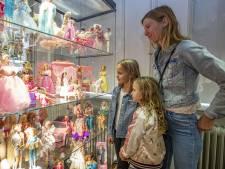 Barbie als rolmodel tijdens expositie in Almelo: 'Ze had in 1961 al een lat-relatie, met Ken'
