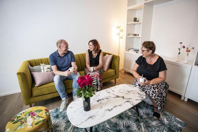 Mark Bijen, Gabrielle Fakkert en Chantal Haarman in hun Realcovery Inloophuis in Weerselo. Een veilige plaats voor jongens en meisjes met een eetstoornis.