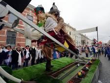 Vrouw lichtgewond door flinke smak op carnavalswagen: 'Dit had nooit mogen gebeuren'