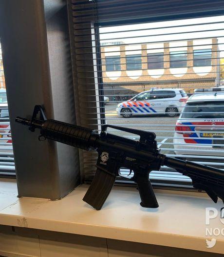 Politie neemt wapen in beslag bij doorzoeking in Oldenzaal