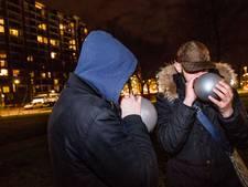 Veenendaal bezorgd over jongeren die lachgas gebruiken