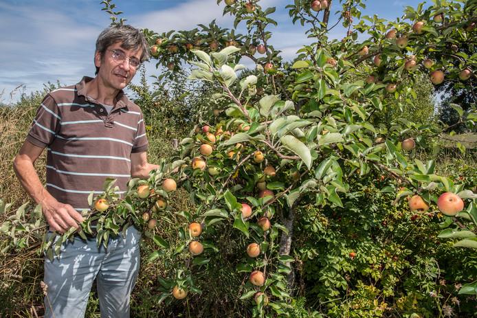 Wouter van Eck is voorzitter van Voedselbosbouw Nederland. Deze stichting begint binnenkort met de aanleg van een voedselbos in Schijndel.