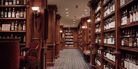 De waarschijnlijk grootste privéverzameling whisky's gaat onder de hamer. Dat heeft het online-whiskyveilinghuis Whisky Auctioneer vandaag bekendgemaakt.