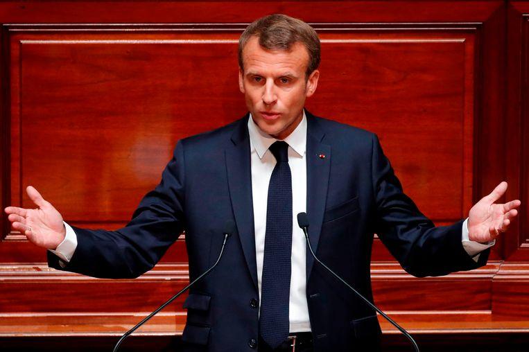 Macron gaf een toespraak in het kasteel van Versailles.
