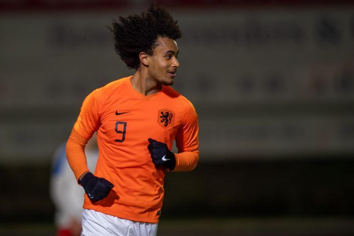 Joshua Zirkzee vorige week in Katwijk tijdens Oranje onder 19 - Tsjechie onder 19, waarin hij twee keer scoorde.