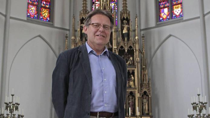 Frans Vervoort in zijn kerk. Foto: Peter van Huijkelom