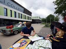 Diploma-uitreiking Da Vinci College: 'Iedereen is met de auto, maar ik ben op de fiets!'